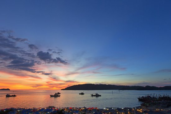 Le Meridien Kota Kinabalu: Sunset view from Hotel