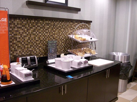 Anderson, SC: The Complimentary Breakfast