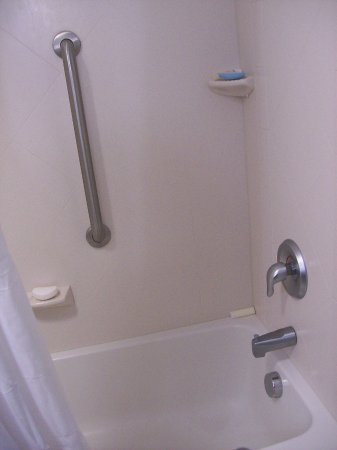 Anderson, SC: The Bathroom Tub, Nice to have 2 built in Soap Holders.
