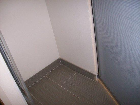 Anderson, SC: Room 312, the big closet floor space.