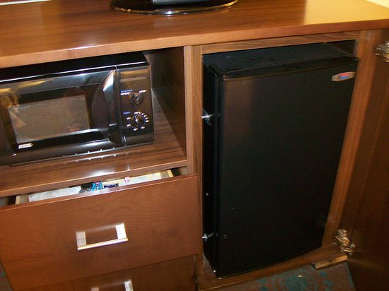 Anderson, SC: Room 312. The Mini Refrigerator and the Mini Microwave.