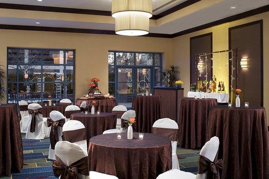 Cerritos, Калифорния: Garden Terrace Ballroom