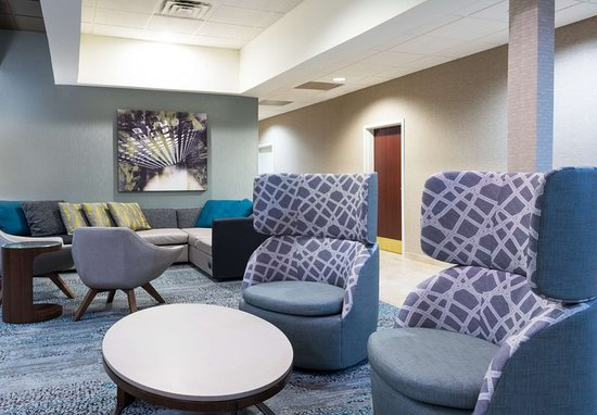 Harlingen, TX: Lobby - Seating Area