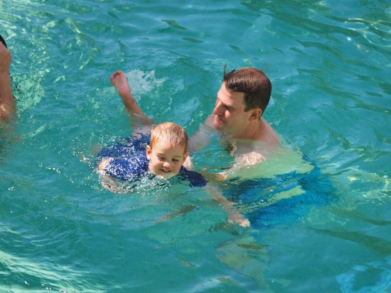 Breakfree Alexandra Beach Premier Resort: safe swimming for young kids