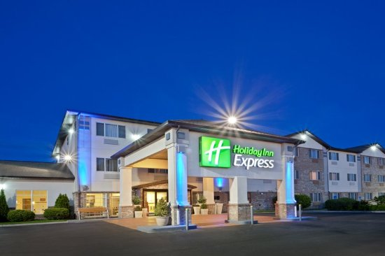 Pendleton, OR: Holiday Inn Express view with pretty lights at night