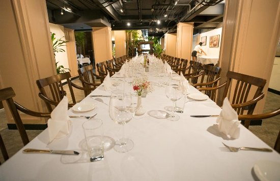 Truffles Bar & Ristorante: Possible to do large table set up for 40 persons