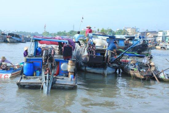 Compagnon Voyage: marché flotant can tho