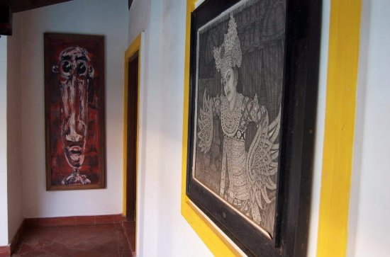 Little Siolim: Art collected from around the world