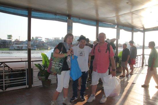 Compagnon Voyage: embarcadaire avec client à Chau Doc