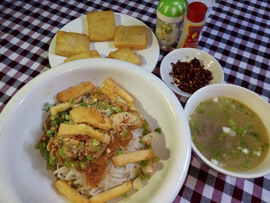 Weaver's Boutique Homestay at Inle Lake: Inle Breakfast - Shan Noodles
