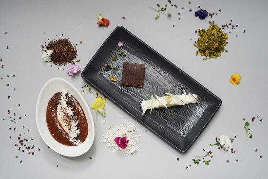 Spiga: Dessert platter set - Exotic, Idea de cafe, Hazelnut ice cream with soft chocolate