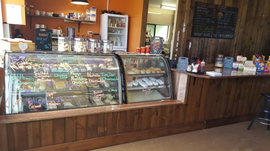 Legerwood, Australia: A nice selection of cakes and slices.