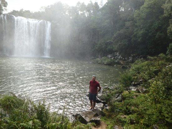Kerikeri, Selandia Baru: Spray from the falls