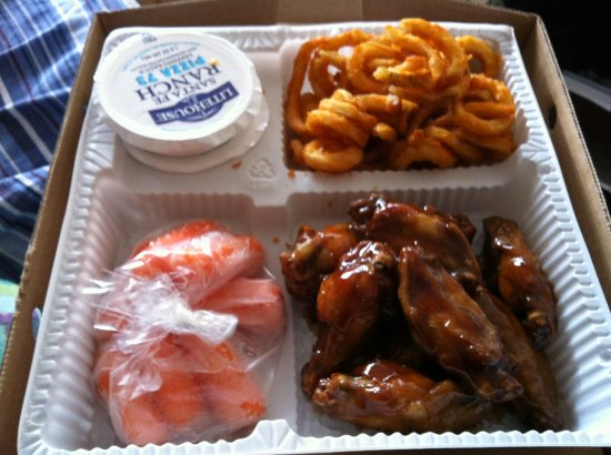 Prince George, Canada: Everyday Deal: Wings, Curfly Fries & Veggies (2012)