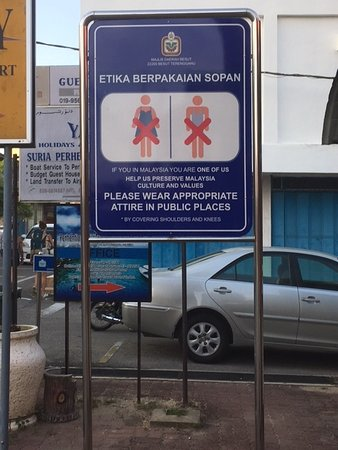 Kuala Besut, Malaysia: Dress properly