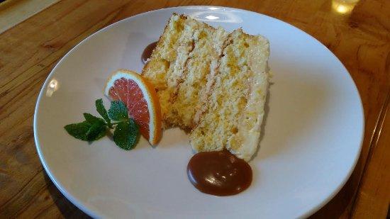 West Jefferson, Северная Каролина: Pineapple-Mandarin Orange Cake