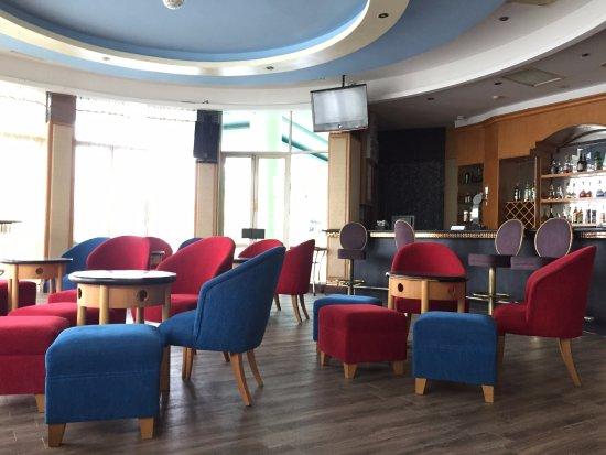 The Hanoi Club Hotel & Lake Palais Residences: Restaurant