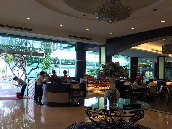 The Hanoi Club Hotel & Lake Palais Residences: Coffee corner
