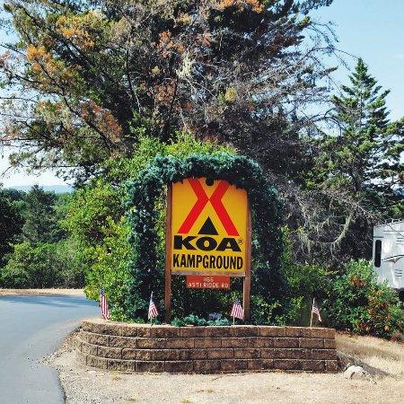 Cloverdale, CA: KOA Entrance