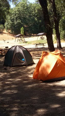 Cloverdale, CA: ordinary tent on the ground