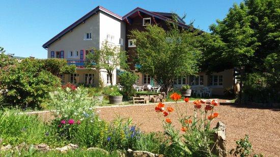 Hotel Bellier : Hôtel avec jardin et baignade naturelle