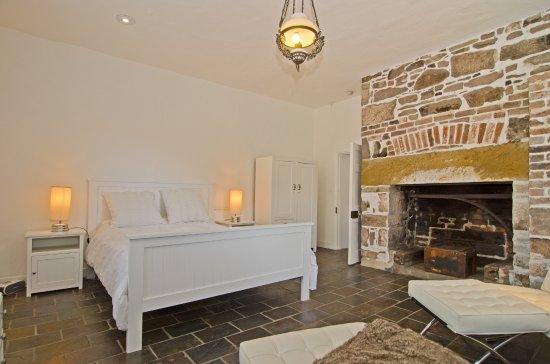 Risdon, Australia: The Bakehouse Suite features the original cook's fireplace.