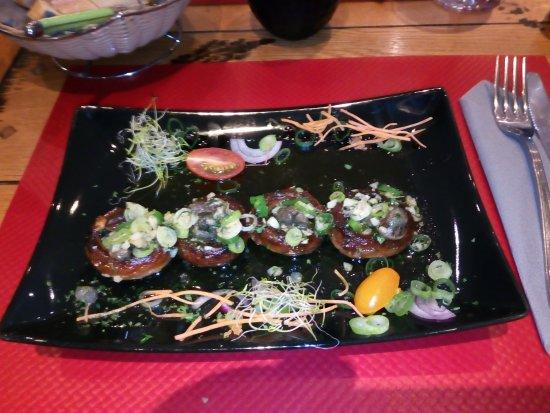 Vencimont, Belgium: Têtes de champignons aux petits gris, un délice.