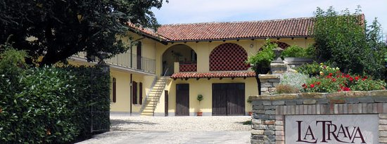 Mango, Italy: L'ingresso all'azienda