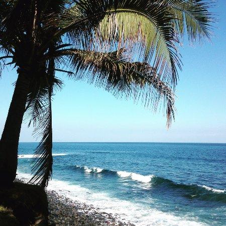 Villa Flow: Private beach
