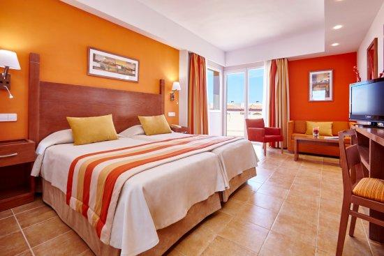 universal hotel don leon colonia de sant jordi espagne voir les tarifs et 12 avis. Black Bedroom Furniture Sets. Home Design Ideas