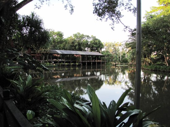 Sepilok, Malaysia: The main reception and dining area from across the lake