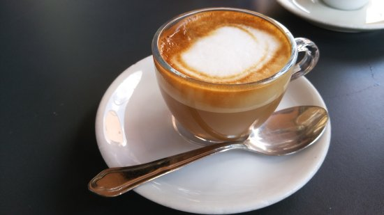 Robbi Cafe