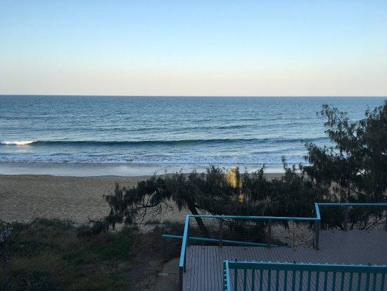 Don Pancho Beach Resort: Step down to the beach