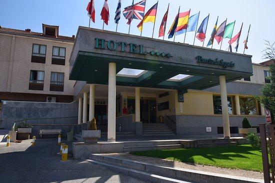 Hotel puerta de segovia from 74 7 5 updated 2017 - Puerta de segovia ...