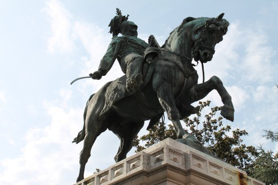 Statua a Vittorio Emanuele II