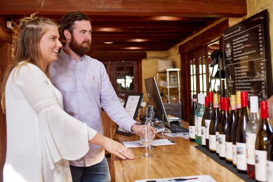 Busy Blue Bus - Day Tours: Wine tasting tours to Mt Barker and Denmark