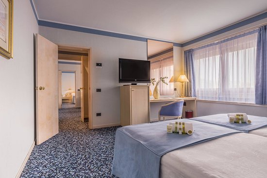 Eurostars boston desde s 202 zaragoza espa a for Hotel habitacion familiar zaragoza