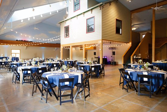 Wedding venue seats up to 280 people