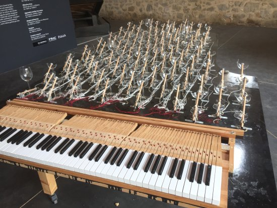 Paraza, France: Keyboard end of the shattered glasses piano