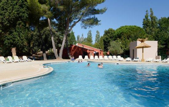 R U00c9sidence Club Odalys Les Gardians Hotel  Arles  Francia