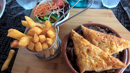 Kelmscott, Australia: Beef and ale pie