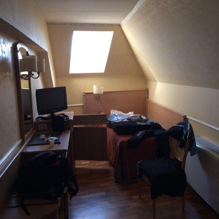 Hotel Santa Costanza: La Chambre Dans Le Grenier Wash! Lu0027ascenseur Ne Se