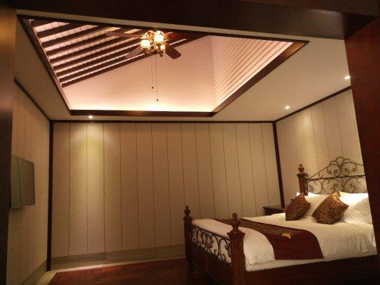 Shuimo Rongzhuang Art Theme Hotel: 东南亚风格房