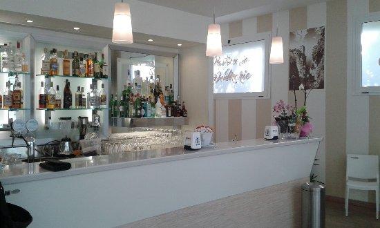 Tourist Bar Restaurant