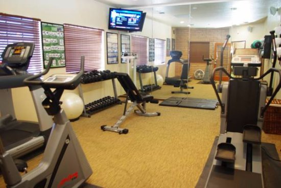 Sierra Suites: Gym