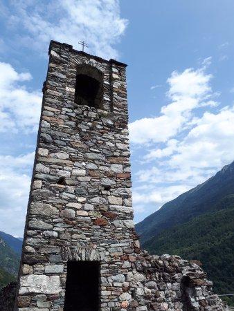 Il Parco delle Incisioni Rupestri di Grosio: Il campanile del castello vecchio