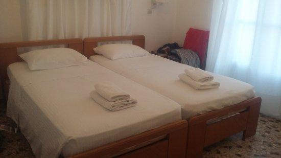 Galini Hotel: 20170905_191517_large.jpg
