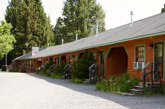 Jo's Motel and Campground: Such a beautiful little place!!
