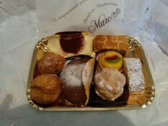 Basovizza, Italië: Che dolcezze!