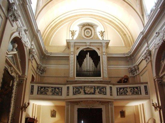 San Costanzo, Italy: Organo parrocchiale